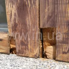 Точечная реставрация: врезка сгнившей нижней части окна